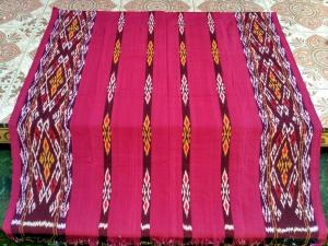 Kain-jual-kain-tenun-blanket-merah.jpg